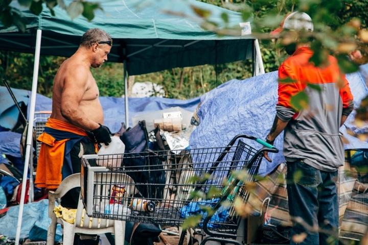 Springwater_Homeless_16_HenryCromett_4245